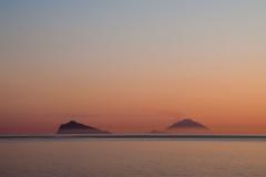 Panarea a Stromboli v prvých slnečných lúčoch