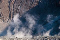 Na dne krátera